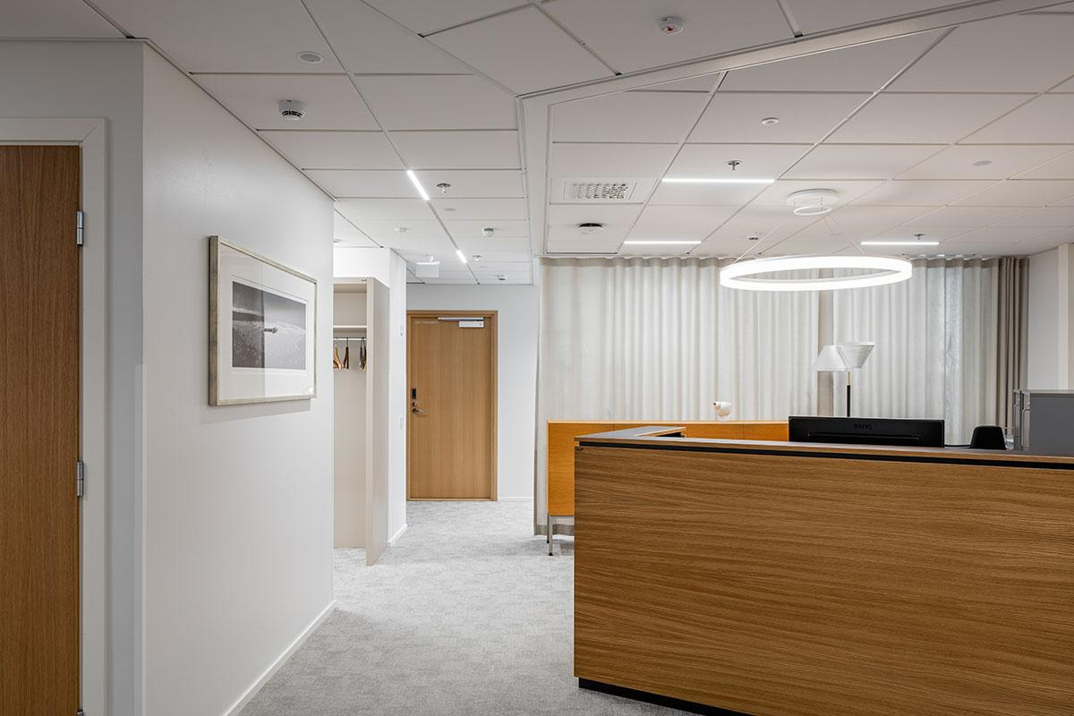 KT Interior referenssi - Eezy toimistotilojen valaistus.