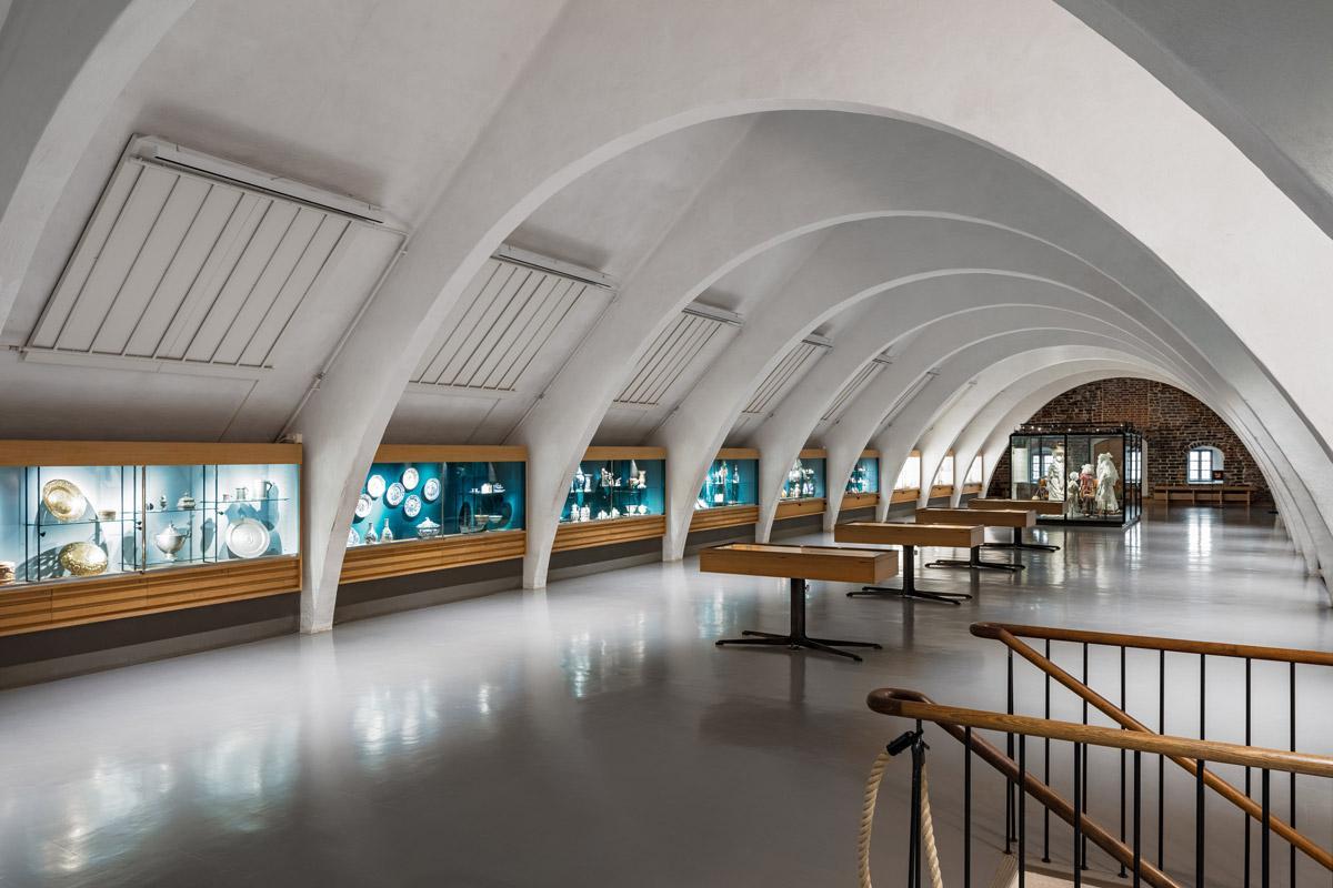 KT Interior referenssi Turun linnan valaistus.