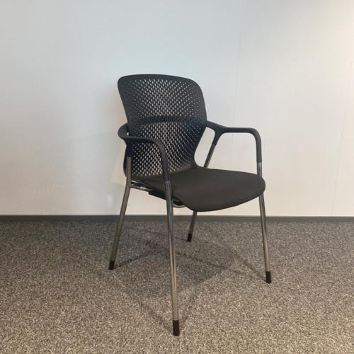 Herman Miller Keyn tuoli.